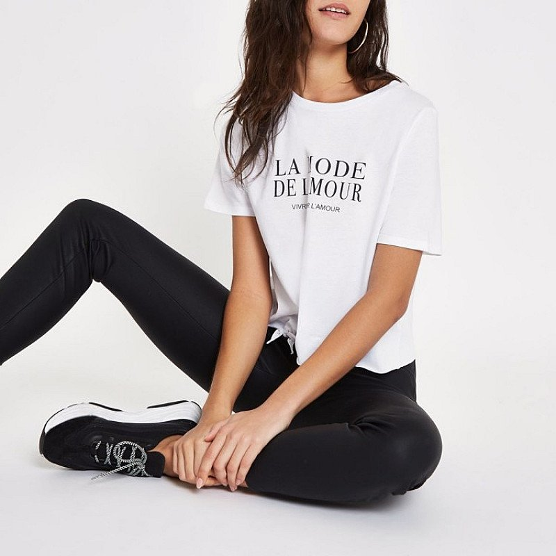 SEASONAL OFFERS - White 'La Mode' print tie crop T-shirt!