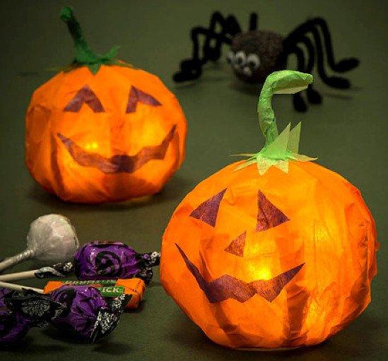 HALLOWEEN DECORATIONS - Halloween Light Up Pumpkin Lanterns £3.50!