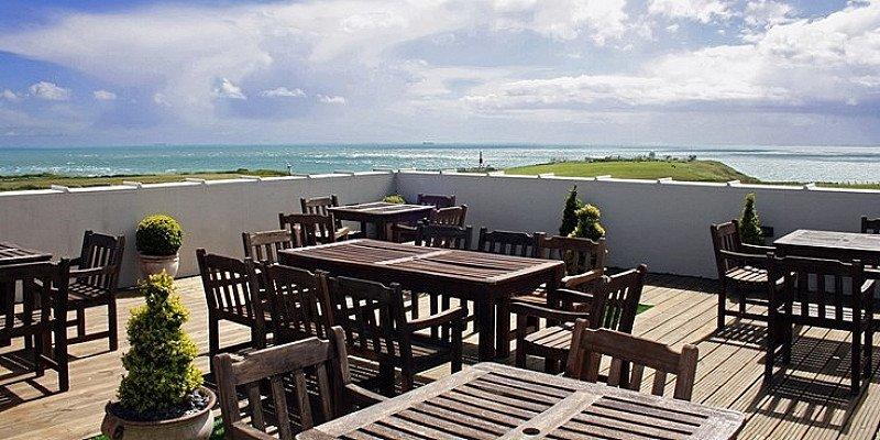 £129 – 2-night Dorset break inc meals & sea views, save 61%!