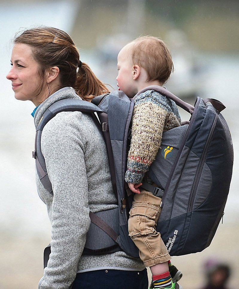 DEAL OF THE WEEK: SAVE £40.00 - LittleLife traveller s4 child carrier - grey!