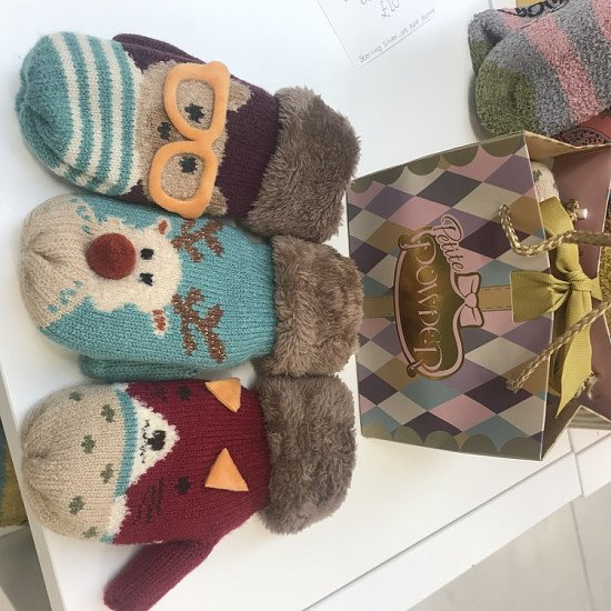 10% OFF CHILDREN'S MITTENS!