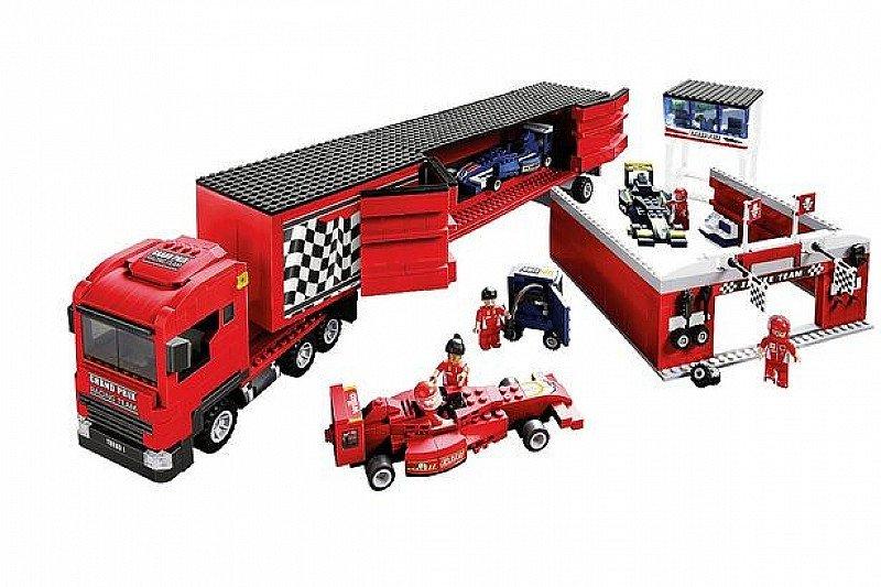 Save- Wilko Blox Car Transporter Colossal Set