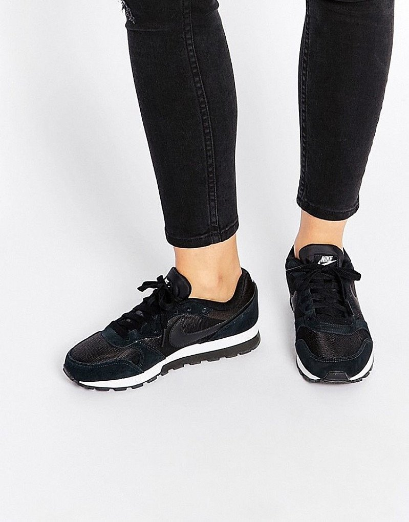 SALE, SAVE ON TRAINERS - Nike Black & White MD Runner Trainers!