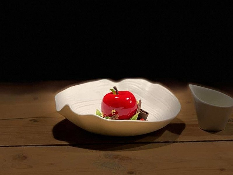 This one is called Apple temptation... Enjoy many more deserts like this on Valentines Day!