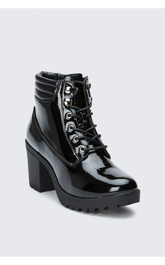 SALE - BLACK SLICK PADDED COLLAR CLEATED ANKLE BOOTS!