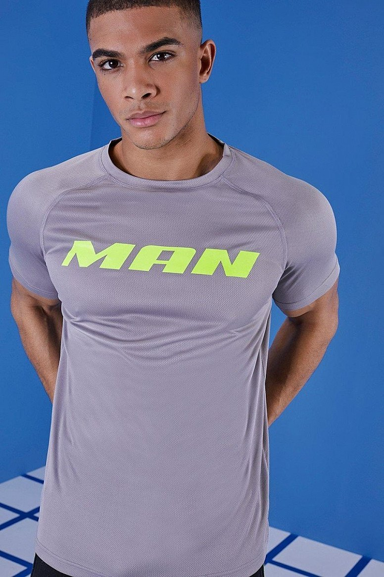 40% off Activewear - Inc. MAN MUSCLE FIT GYM SHIRT!