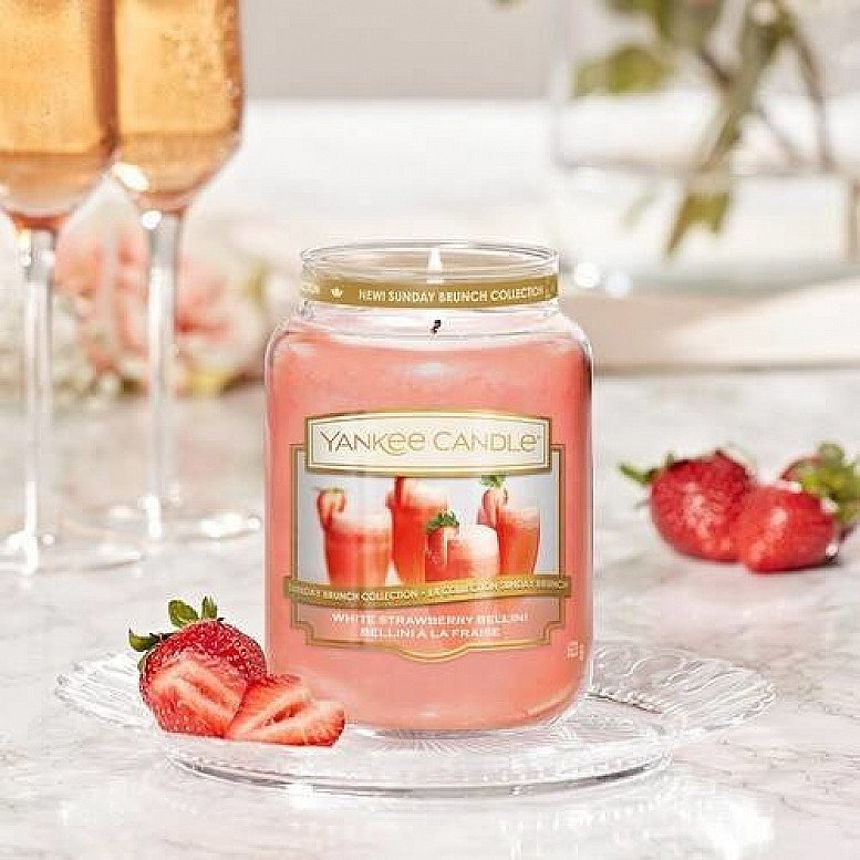 Up to 30% off Yankee Candles - YANKEE CANDLE WHITE STRAWBERRY BELLINI MEDIUM JAR