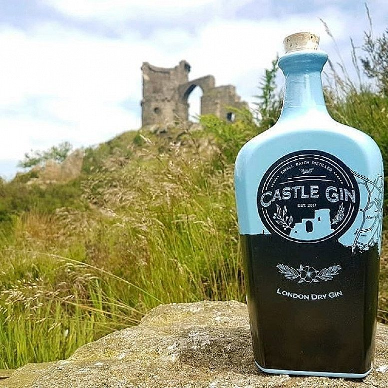 SAVE £7.00 on Castle Gin!