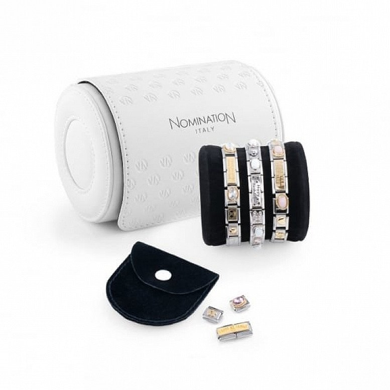 Free Jewellery Roll when you spend £99.00 or more!