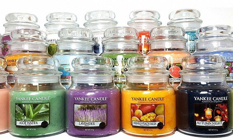 2 Medium Jar Yankee Candles for £30!