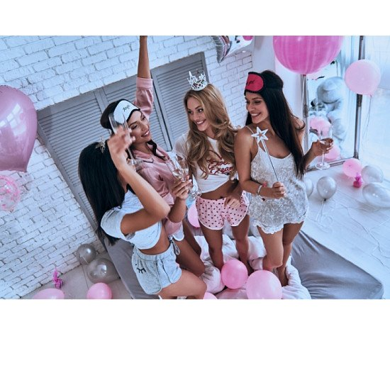FREE HEN PARTY DECOR PACKAGE