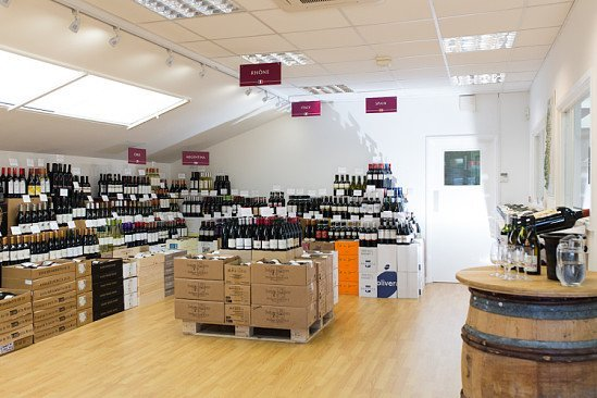 At Stone, Vine & Sun we're committed to sourcing superb wines that reflect the land they're grown on