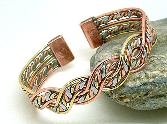 M17: Magnetic Three Colour Mexican Twist Bracelet - £9.50!