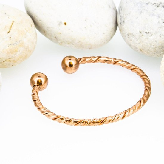 M6: Magnetic Copper Twist Torque Bracelet - £9.50!