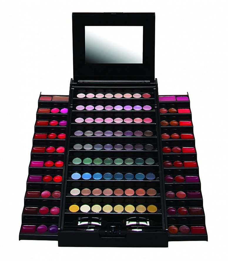 SALE - Technic Colour Pyramid Compact!