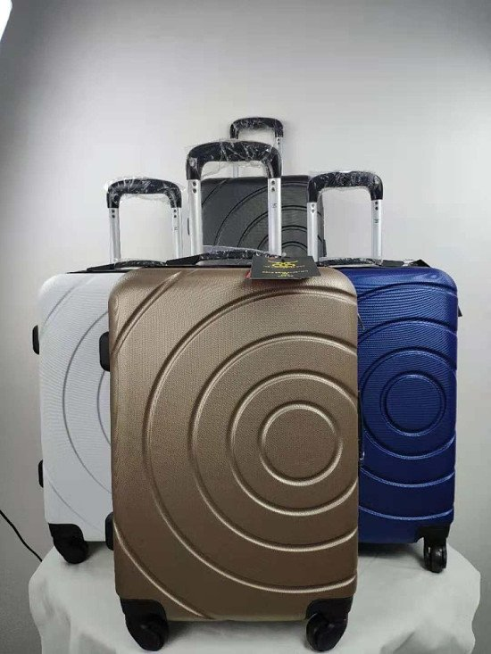 Cabin luggage £39.99 (75% discount) + free postage. Use Code: SNIZL75