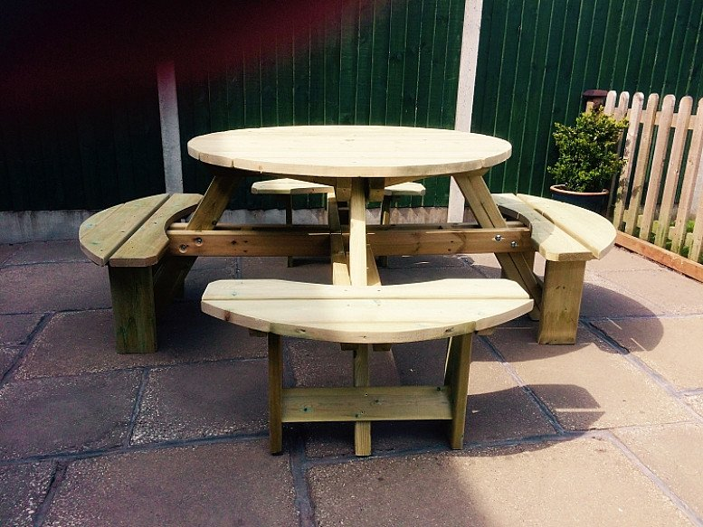 Westwood Round Picnic Table 8 Seater – PT105