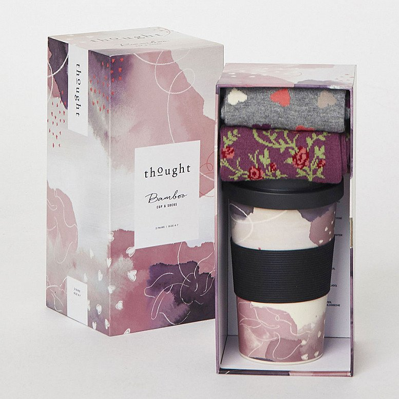 Send organic and sustainable gifts - HEARTS BAMBOO CUP & SOCKS GIFT SET, £22.95!