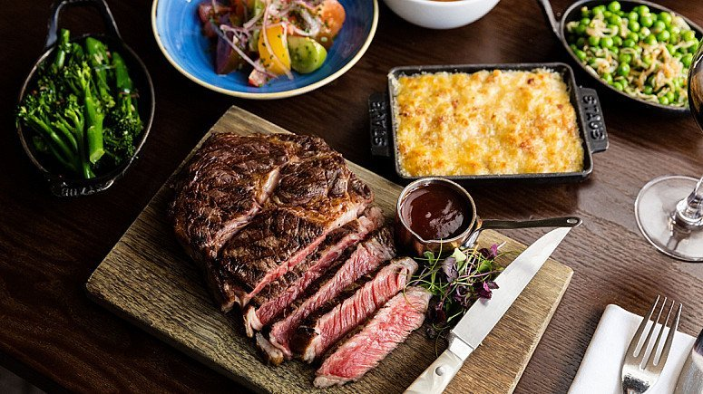 JUNE EDITION: THE HELIOT STEAK HOUSE BOX (SAVE £40.00)!