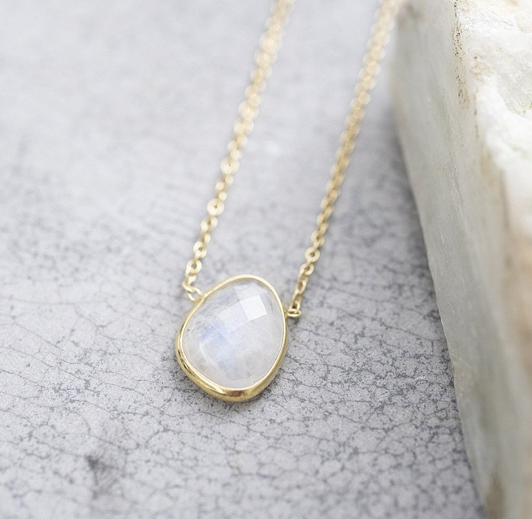 OFFER - A BEAUTIFUL STORY TENDER MOONSTONE SILVER GOLD-PLATED NECKLACE