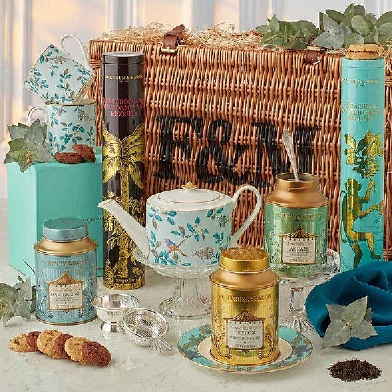 In celebration of National Picnic Month, shop Food Hampers!
