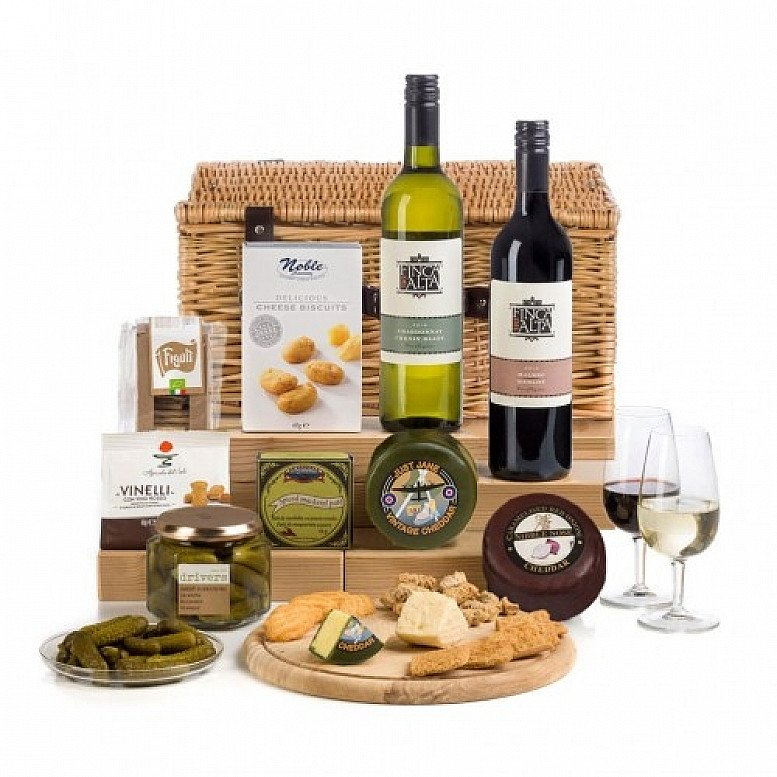Perfect for National Picnic Month - Cheese And Wine Picnic Hamper Basket: £67.00!