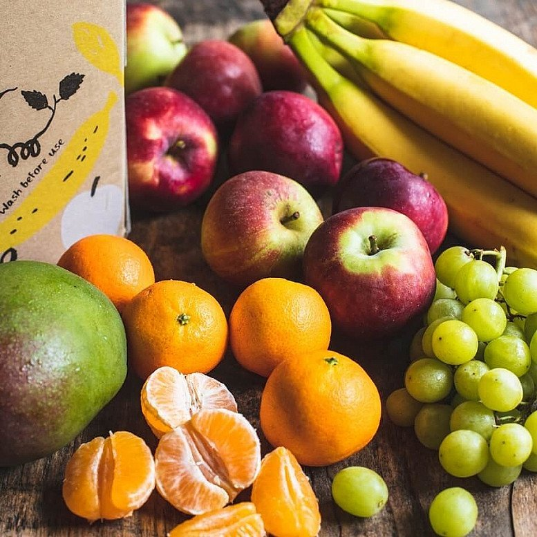 Free Delivery - Organic Fruit box: £14.25!