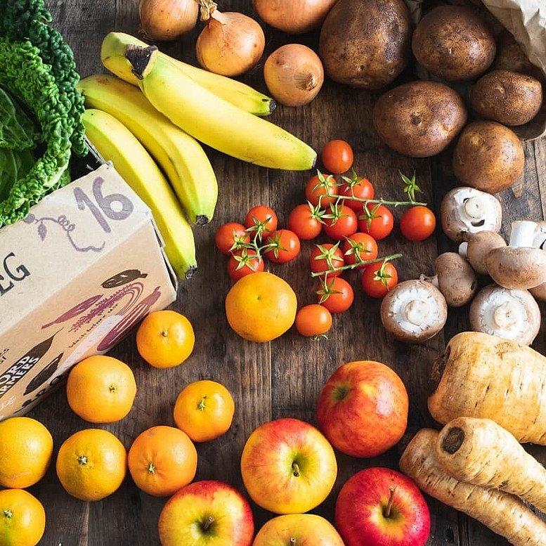 Organic Seasonal fruit & veg box, medium: £18.35!