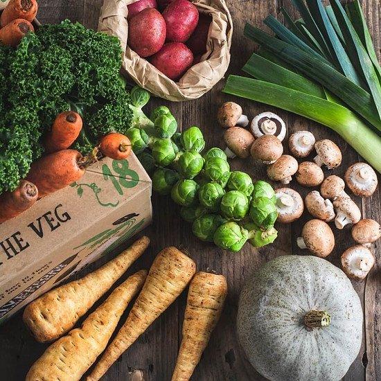 SALE - Organic 100% UK veg box!