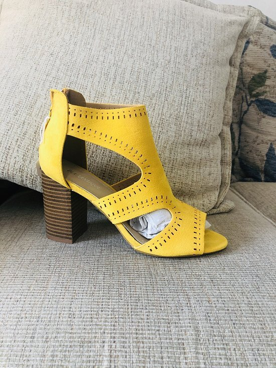 Ladies faux suede open toe shoes in yellow