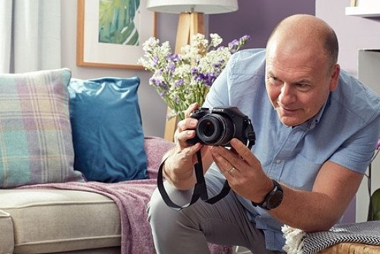 Happy World Photography Day - Shop Cameras at CurrysPCWorld!