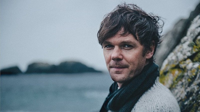 Roddy Woomble at Hare And Hounds