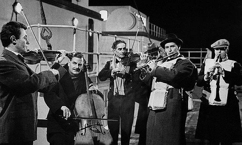 Titanic Jazz Band + hot food