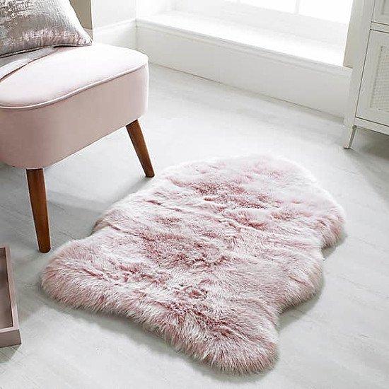 WINTER WARMERS - Luxury Faux Fur Rug: £18.00!