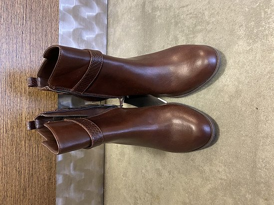 Brand New Ladies F&F Brown Boots UK Size 8
