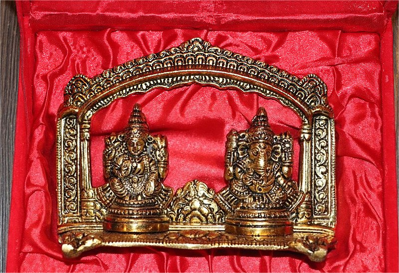 Laxmi Ganesha with temple Frame 10% OFF
