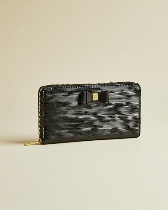 SALE - Bow zip around matinee purse!