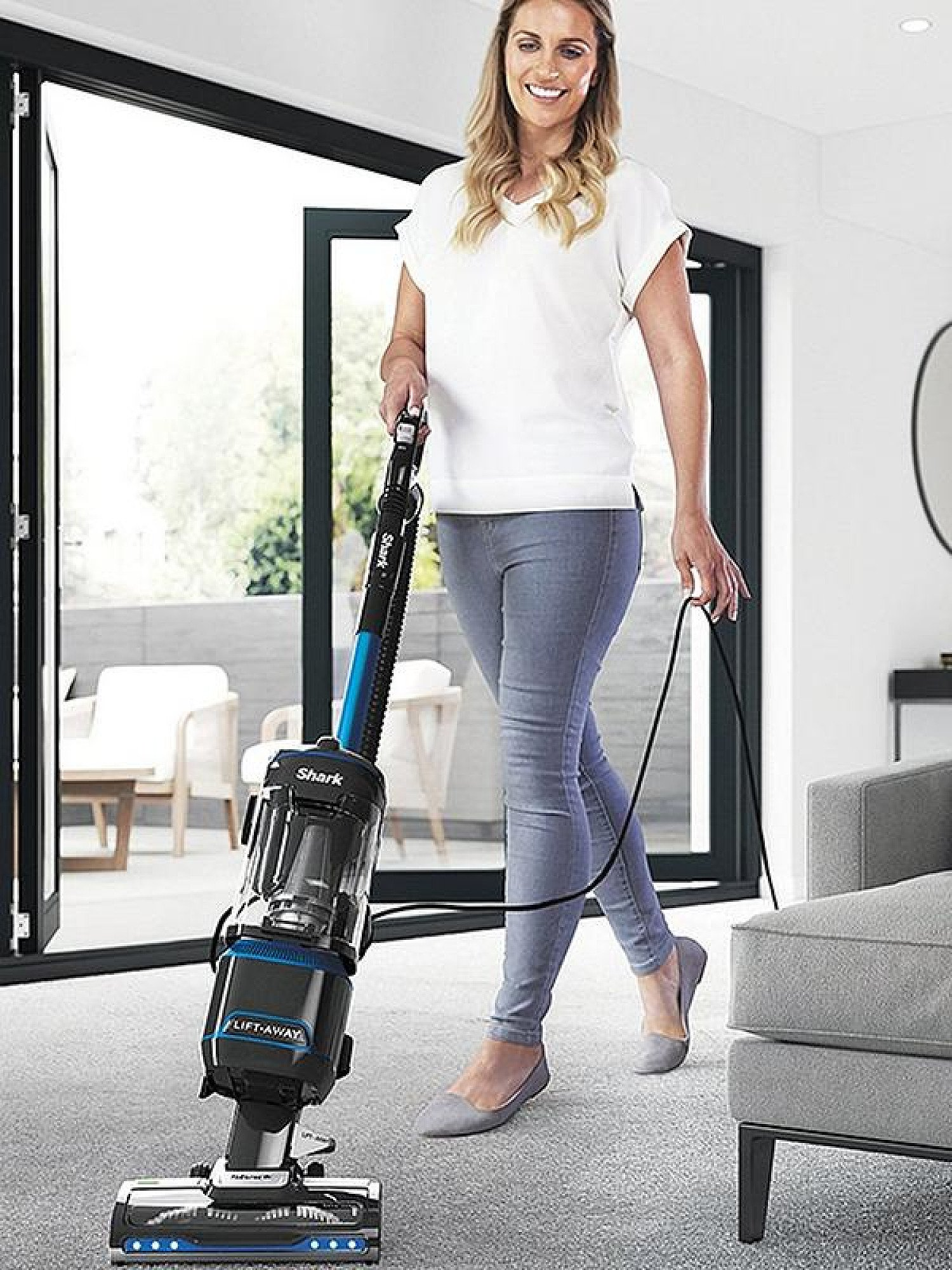 SAVE - Shark Lift-Away Upright Vacuum Cleaner