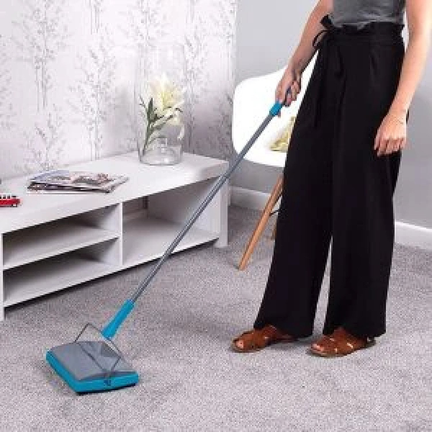 Beldray Manual Cordless Rug Carpet & Floor Sweeper with Brush & Comb £24.99 Free Postage