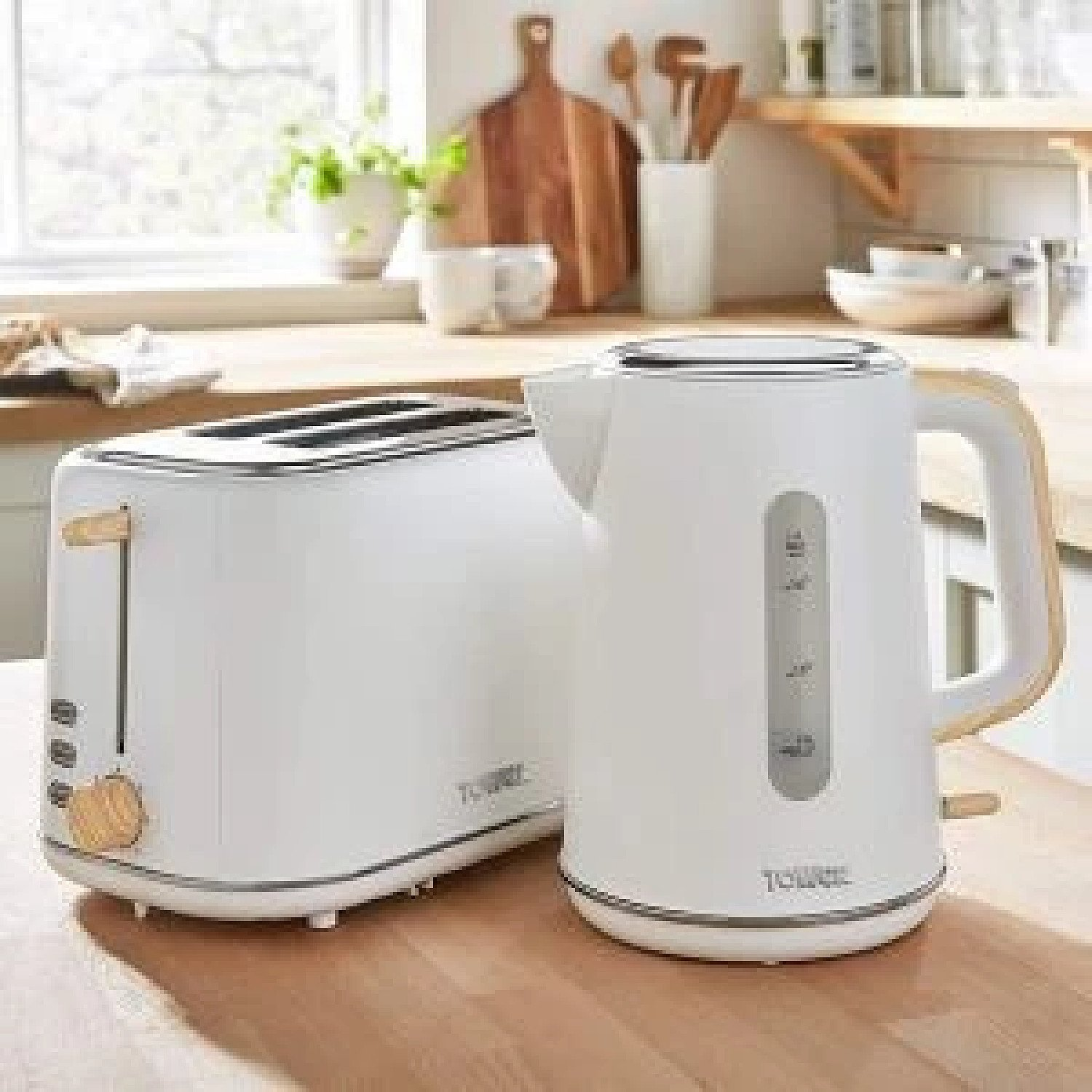 Tower Scandi Kettle & 2 Slice Toaster Breakfast Set in White & Wood Accents Free Postage