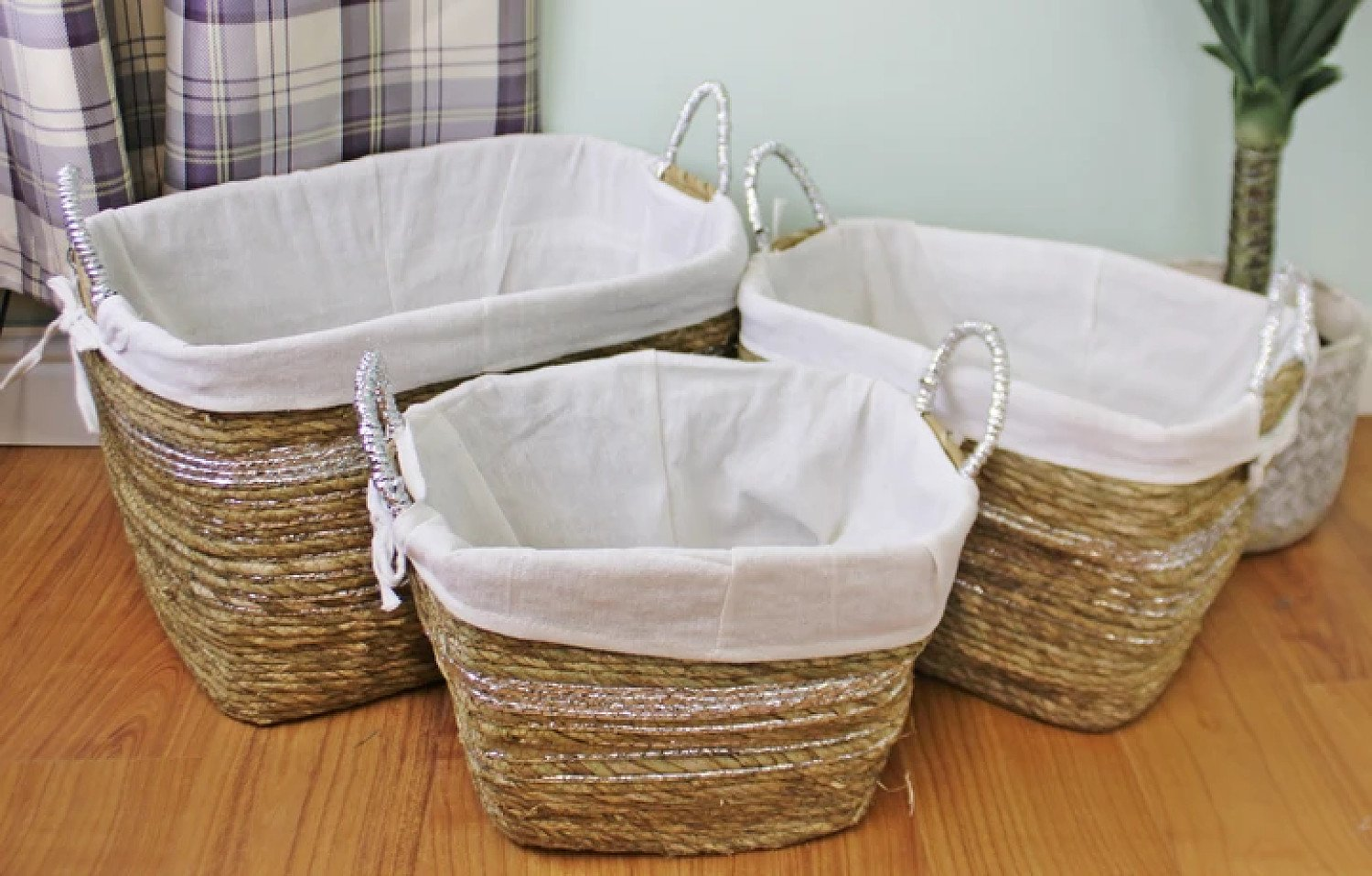 Set Of 3 Fabric Lined Raffia & Silver Baskets Free Postage