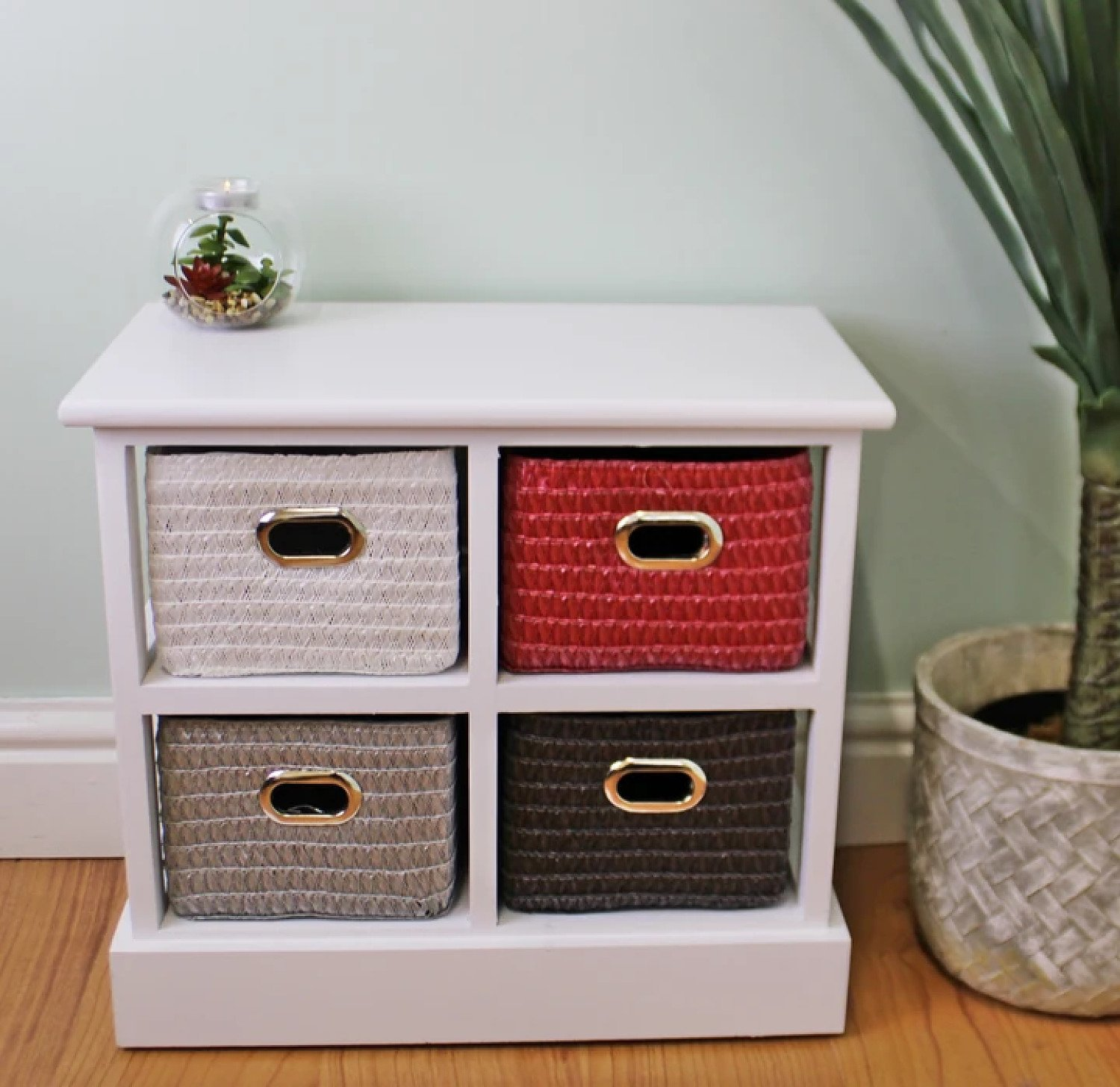 Small Storage Unit With 4 Multicoloured Baskets Free Postage