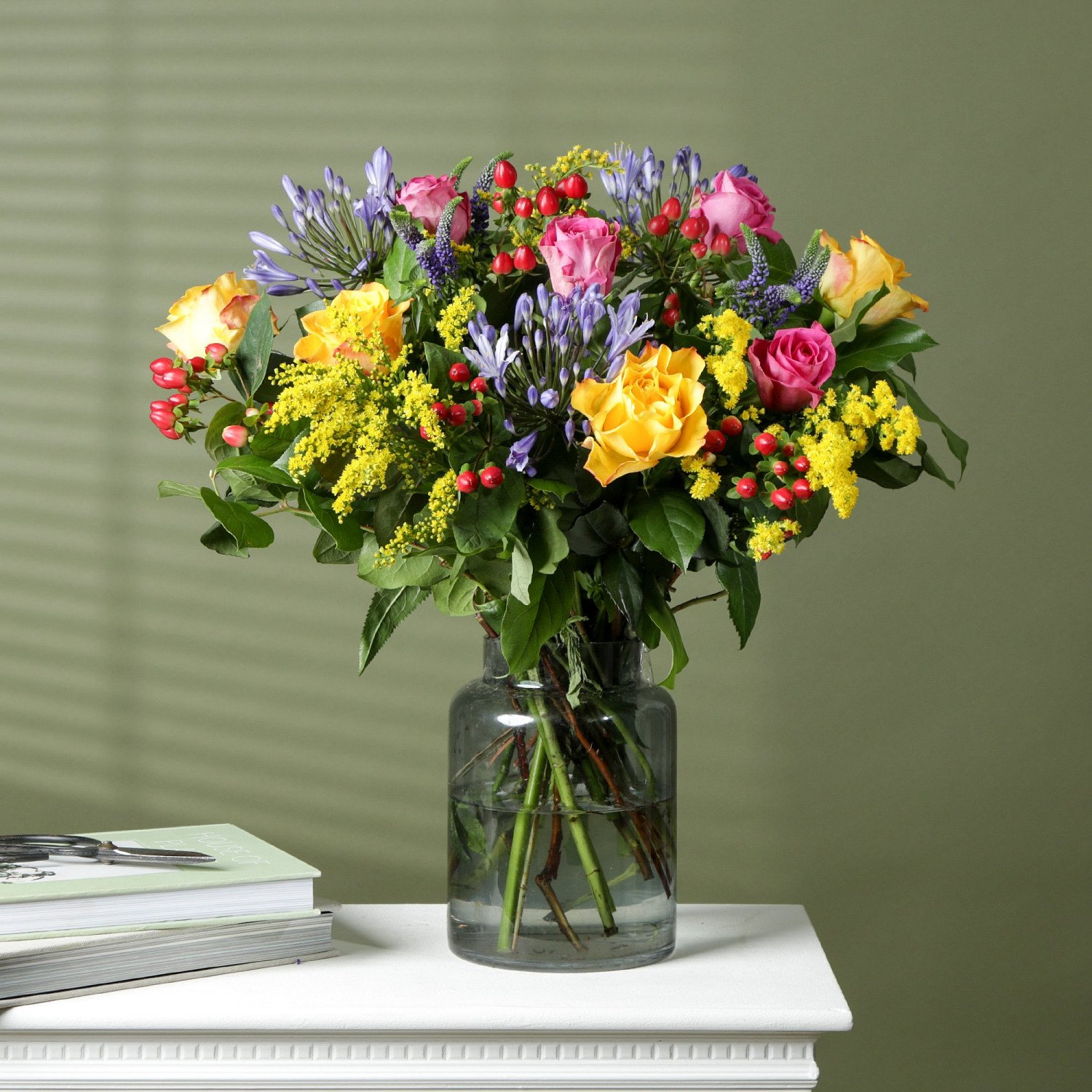 HAND-TIED BOUQUETS BY EXPERT FLORISTS - NEVER FAR AWAY £32.00 + Delivery!