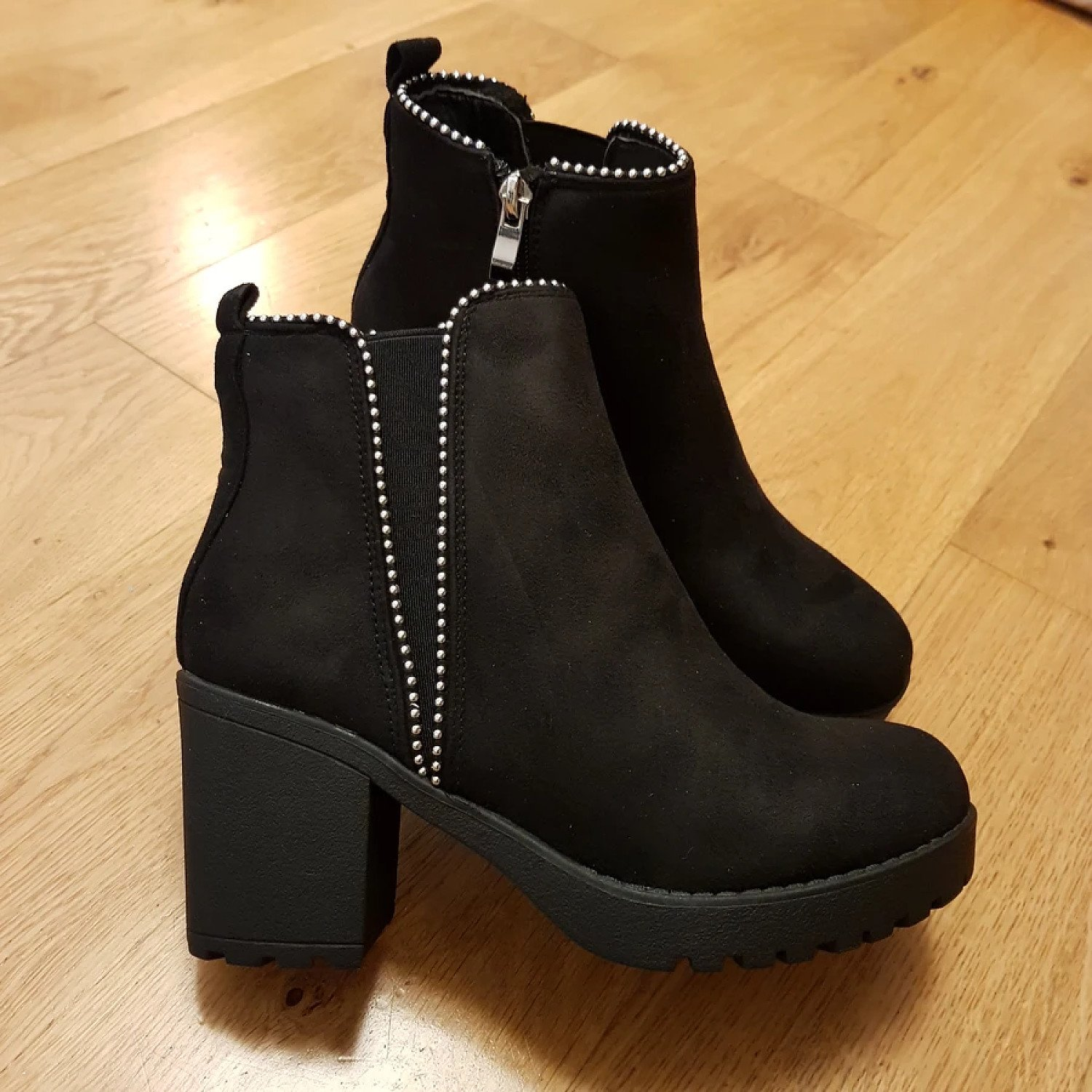 Chloe Black Suede Ankle Boots £15