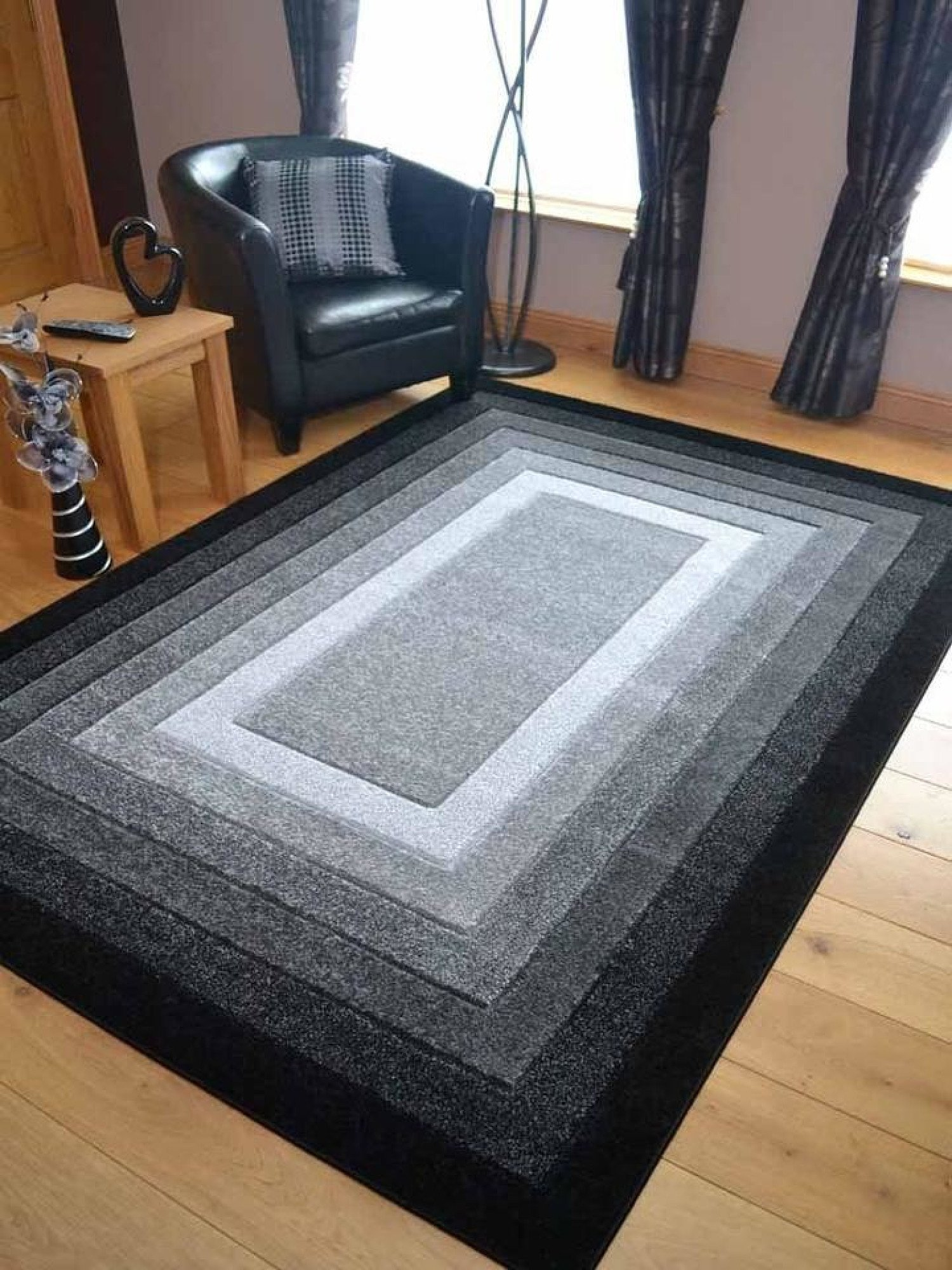 Sahara Plain Border Black Rug - different sizes and prices in description - Free Postage