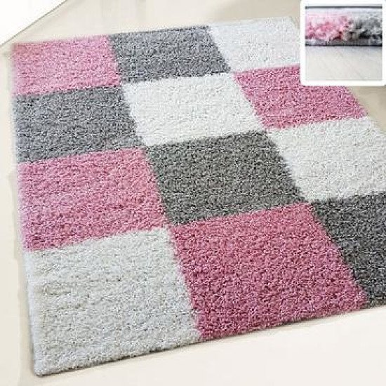 Shaggy rugs in pink