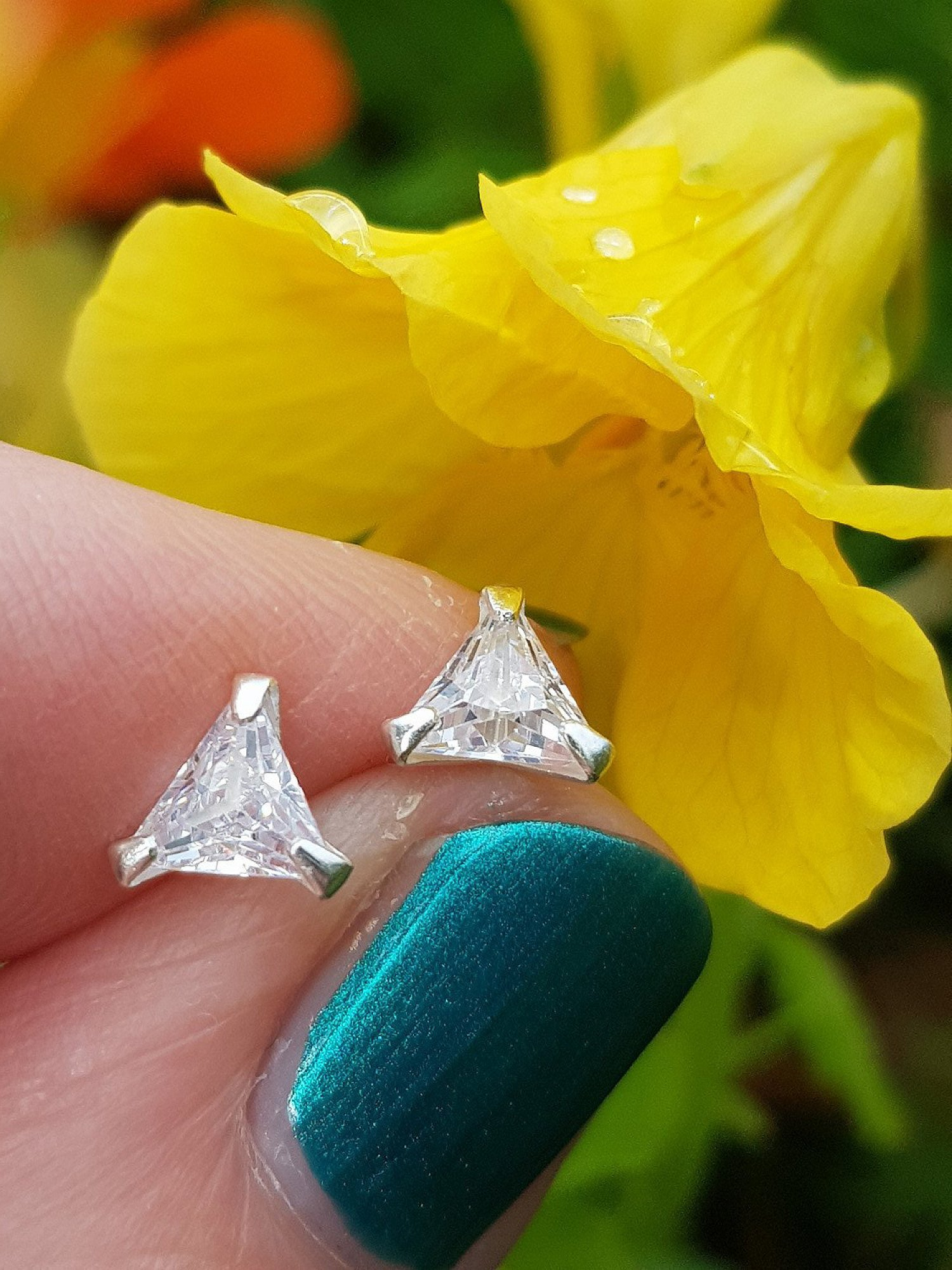 Silver, triangle cubic zirconia stud earrings. 5mm - 0.35g - £6.50 FREE UK delivery