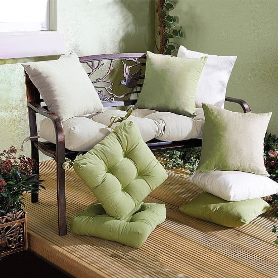 MULTIBUY SAVING: Outdoor Furniture Cushions - Buy 2 & Save £3!