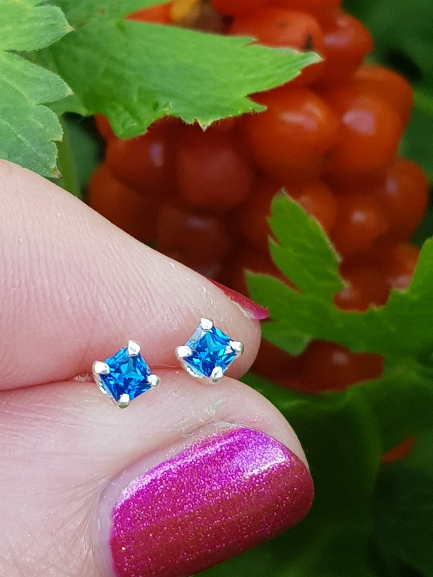 Silver, square cubic zirconia medium sapphire stud earrings - 3mm - 0.35g - ONLY £6.25