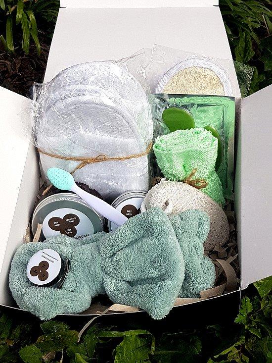 Spa essentials skincare box